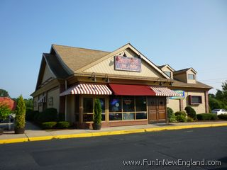 Backyard Bar And Grille Enfield backyard bar & grille - www.funinnewengland