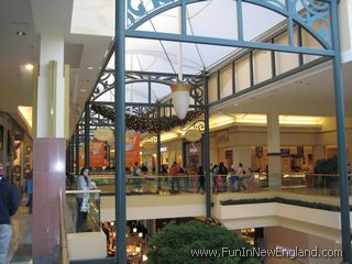 The Shoppes At Buckland Hills Www Funinnewengland Com
