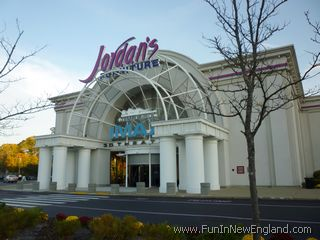 Natick Tempur Pedic IMAX 3D Theater At Jordanu0027s Furniture Natick ...